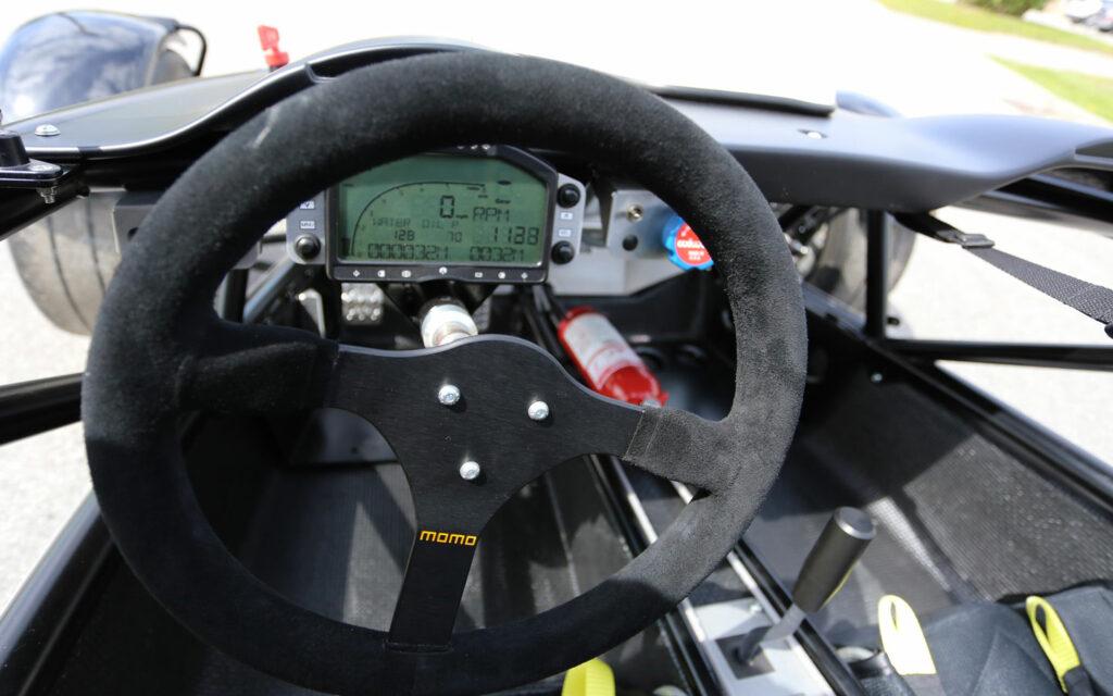 momo_steering